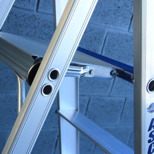 MG-ACCÈS shop producten - trappen - bordestrappen - ASC Bordes Trap 6 treden closeup